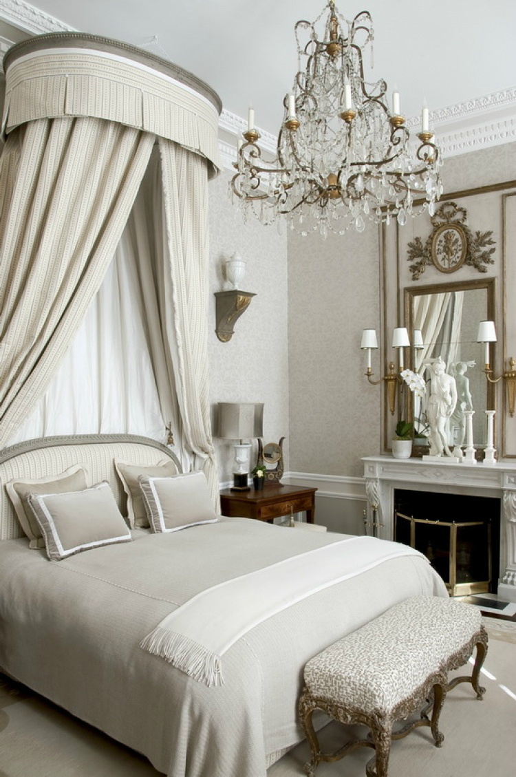 10 glamorous bedroom ideas decoholic for Bedroom designs cream