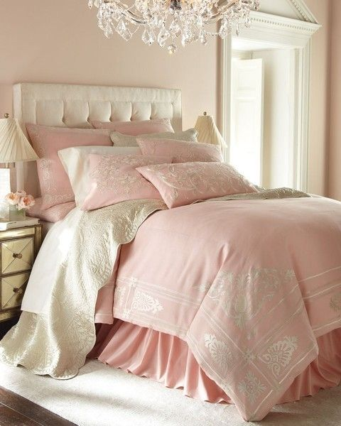soft pink and white bedroom idea