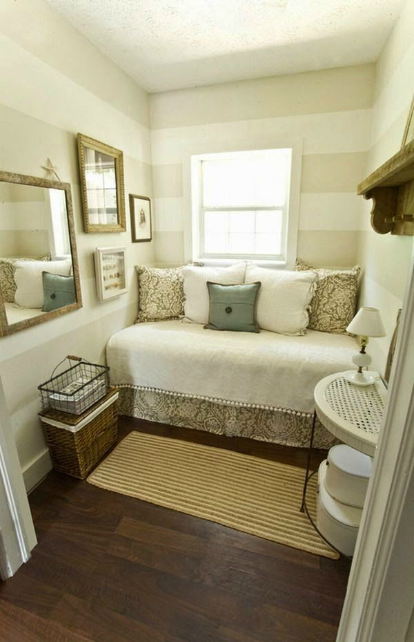 Fabulous 10 Tips For A Great Small Guest Room Decoholic Largest Home Design Picture Inspirations Pitcheantrous