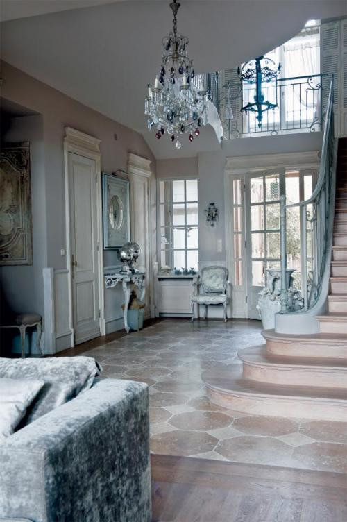traditional formal elegant interior design 2