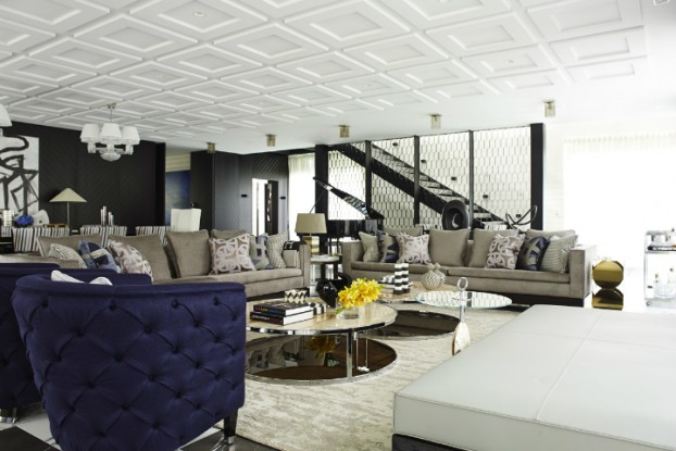 Contemporary House In A Palette Of Predominantly Black And White 2