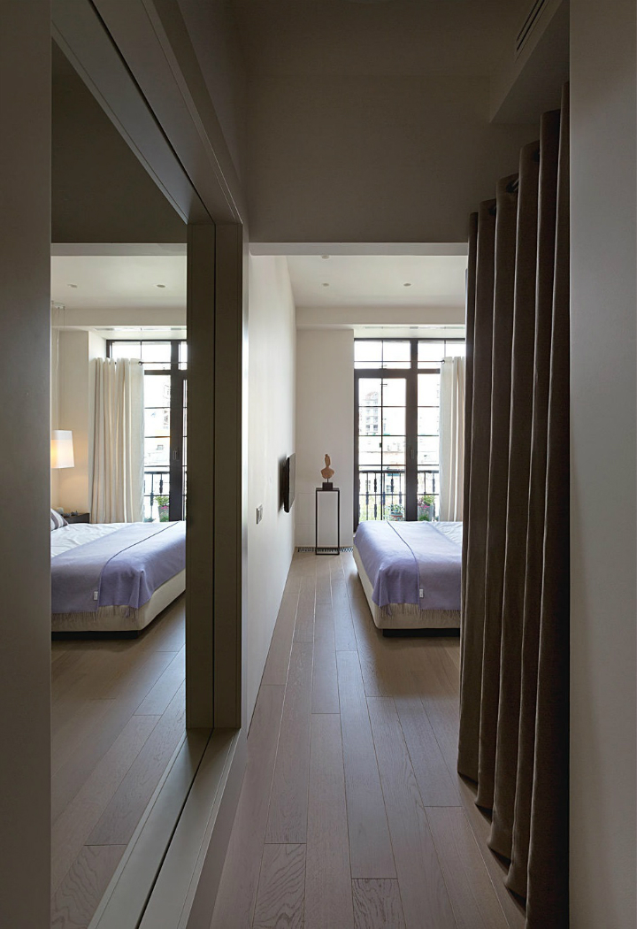 Contemporary Small Apartment Design 14