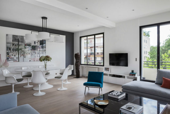 French Interior With Luminosity and Contrasts