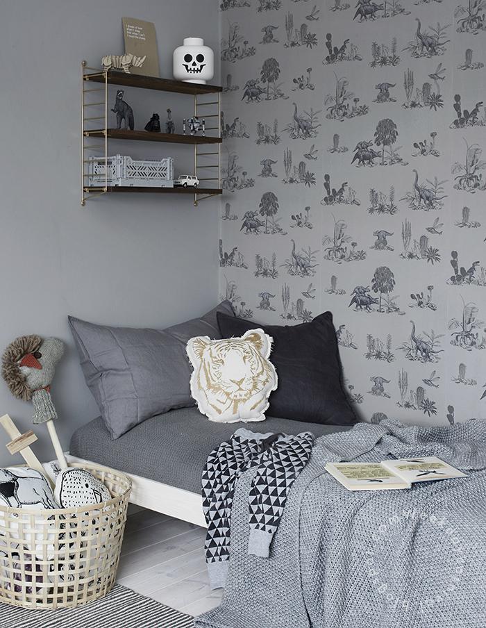 Gray Wallpaper Boys' Room Idea
