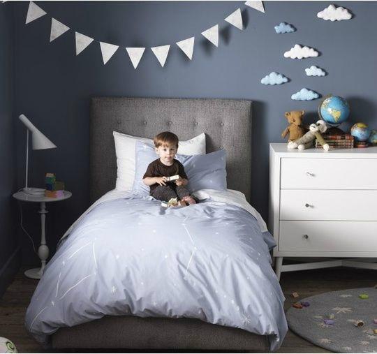 Cloudy Gray Boys' Room Ideas 29