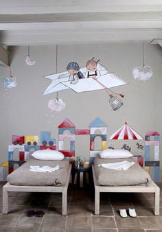 Gray Boys' Room Idea with beautiful painted wall