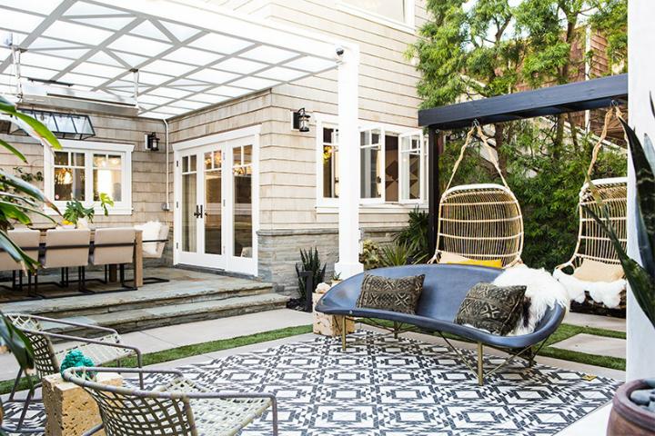 contemporary elegant bold house interiors 27