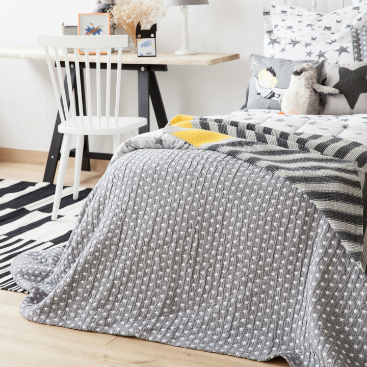 Gray Boys' Room Ideas with Black and White