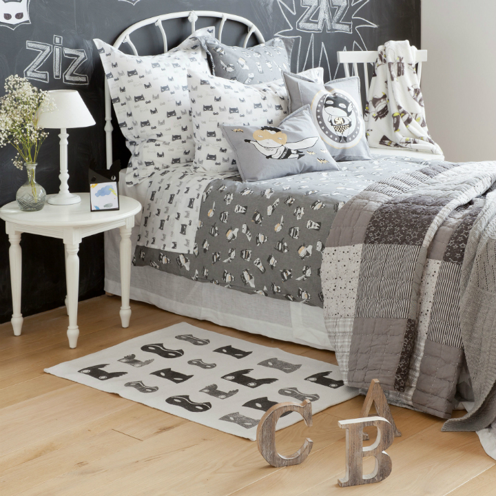 Gray Boys' Room Ideas with Letters Decoration