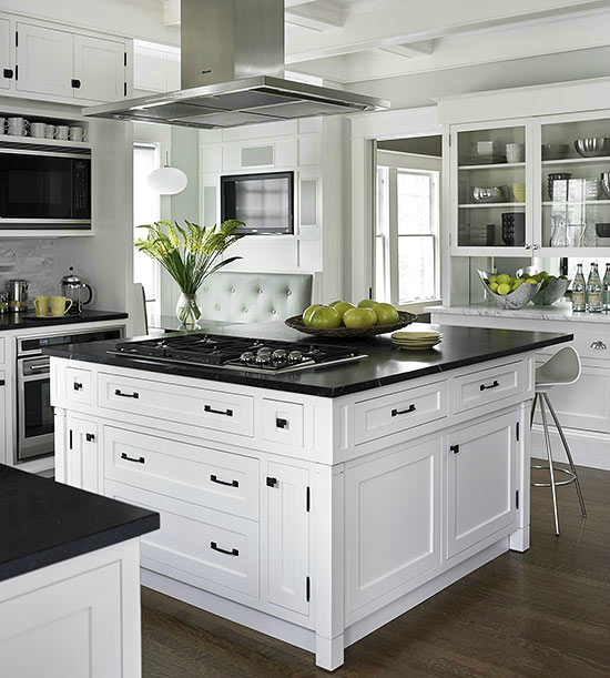 33 Inspired Black and White Kitchen Designs Decoholic : Black and White Kitchen Designs 21 from decoholic.org size 550 x 611 jpeg 181kB