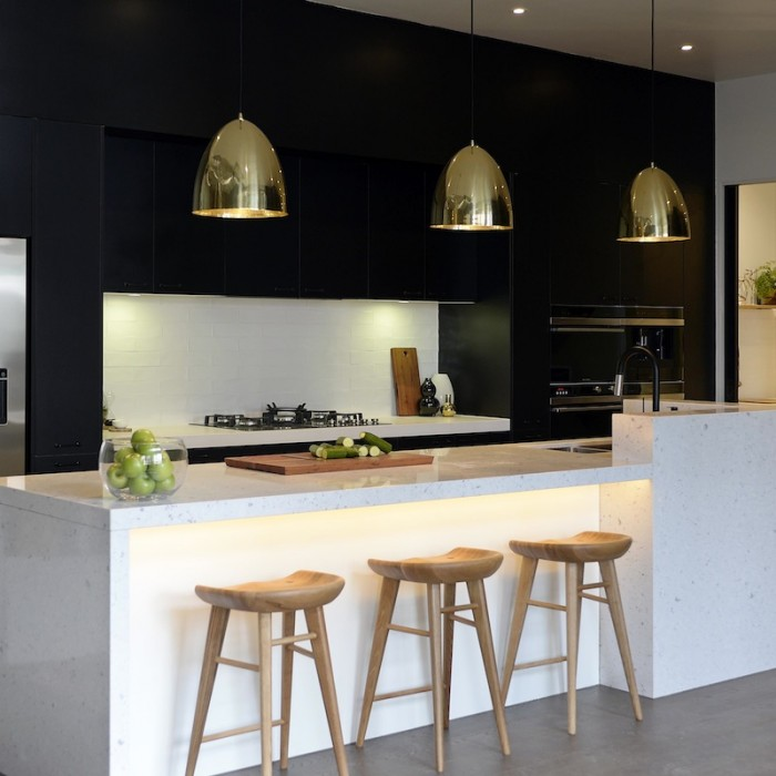 Inspired Black and White Kitchen Designs 5