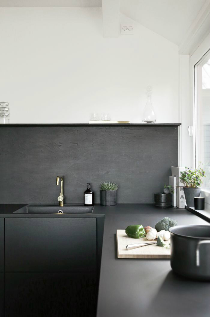 Inspired Black and White Kitchen Designs 9