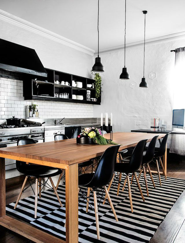 33 inspired black and white kitchen designs decoholic for Kitchen designs black and white