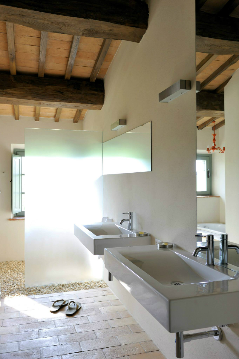 Country House With Contemporay Interior in the Tuscan Countryside 9