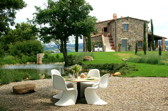 Country House With Contemporay Interior in the Tuscan Countryside 10