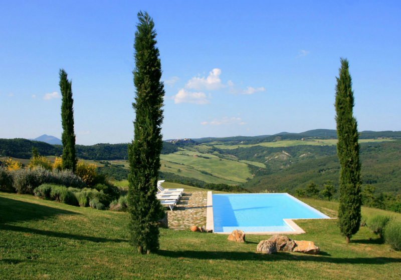 Country House With Contemporay Interior in the Tuscan Countryside 12