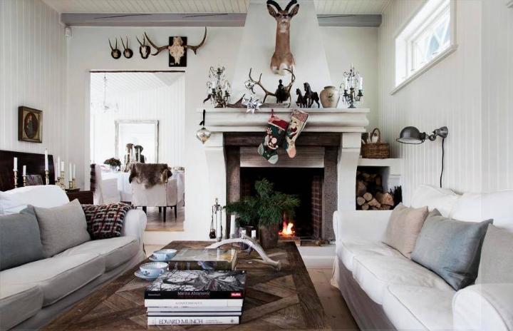 Home With Christmas Spirit