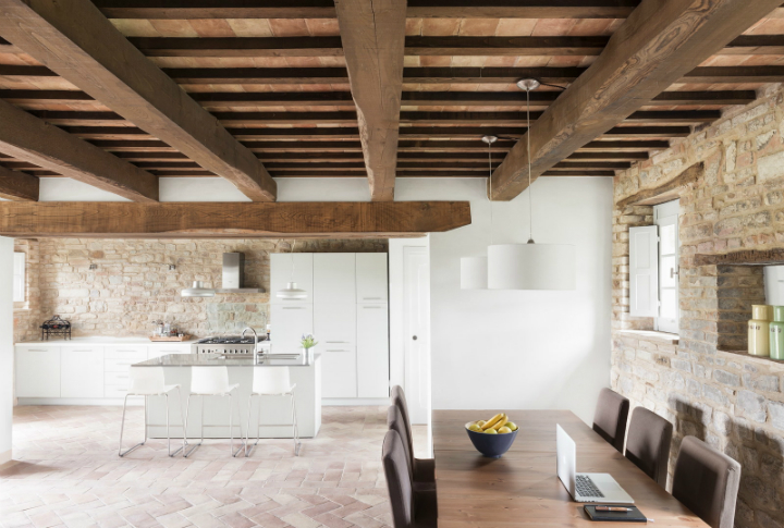 Old Stable Turned Into Desired Vacation House