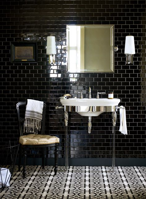 perfect black and white bathroom tiles
