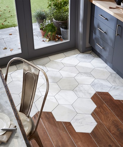 exagon tiles with wood flooring