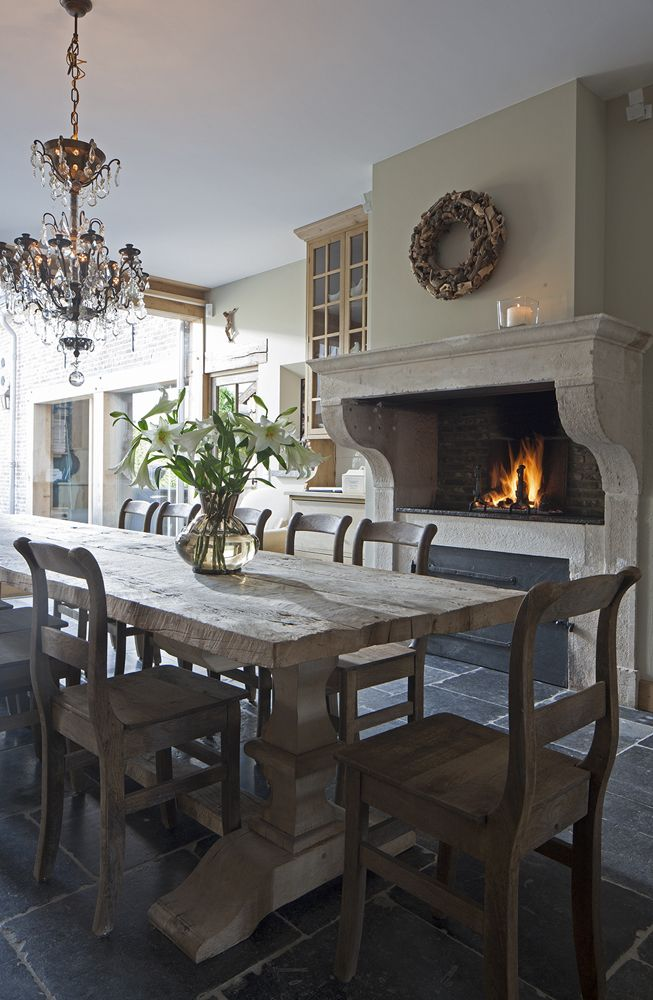 Superb Rustic Dining Room Idea