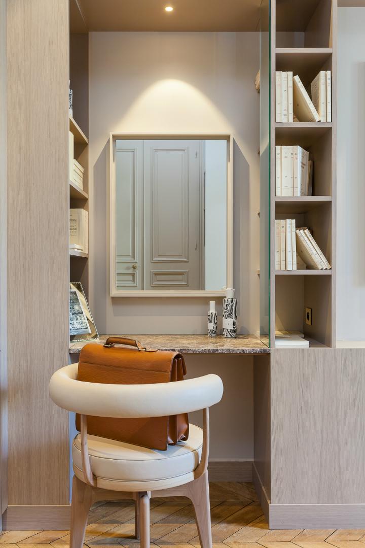 elegant and dramatic interior design ideas by Gerard Faivre Paris 20