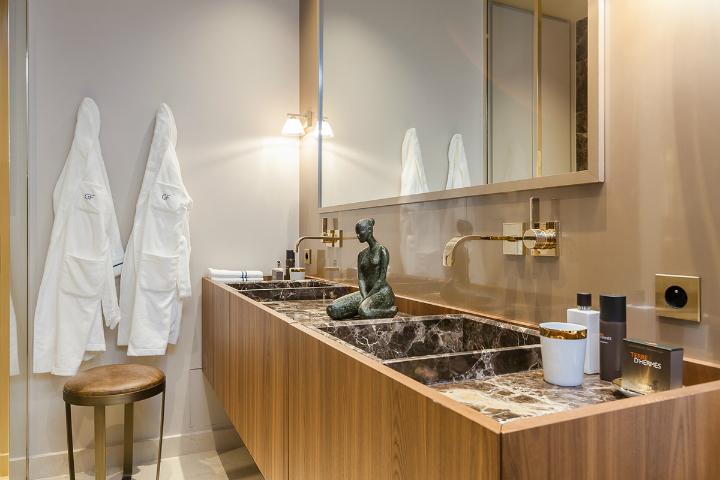 elegant and dramatic interior design ideas by Gerard Faivre Paris 22