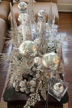 Glamour Christmas Coffee Table