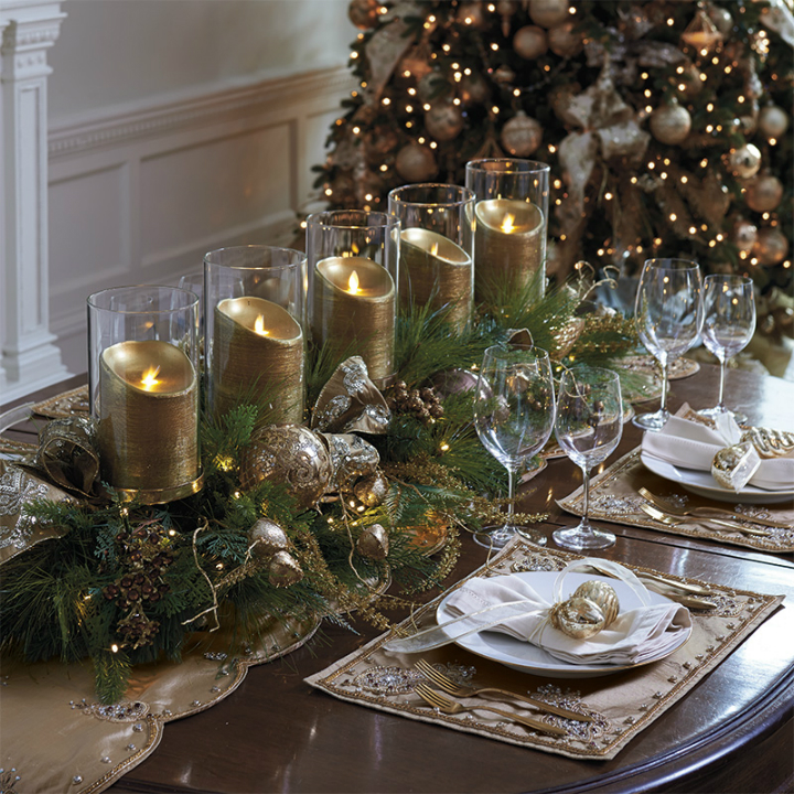 gold glamour Christmas dining table decoration
