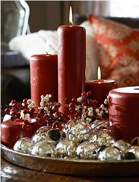 Traditional Red Christmas coffee table decor