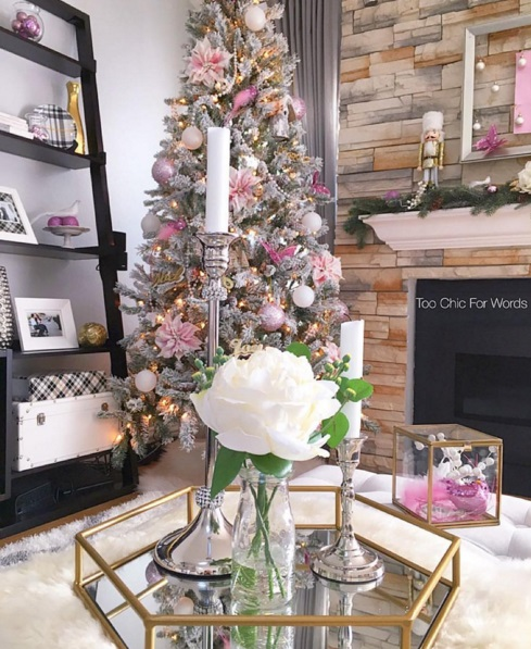 Best Christmas Trees We've Seen On Instagram 10