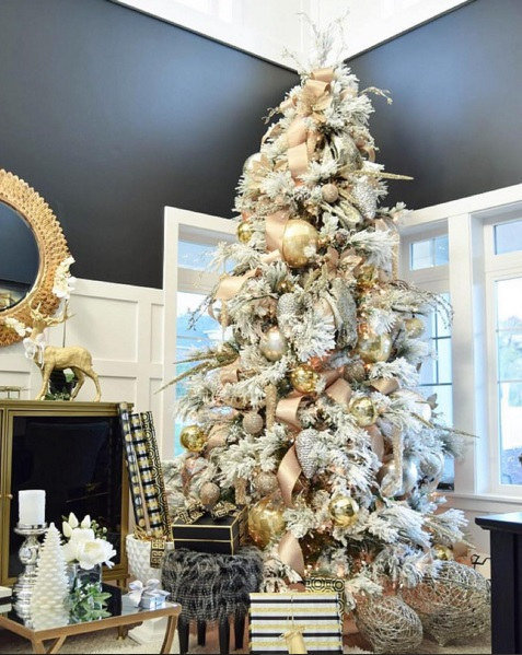 Best Christmas Trees We've Seen On Instagram 6