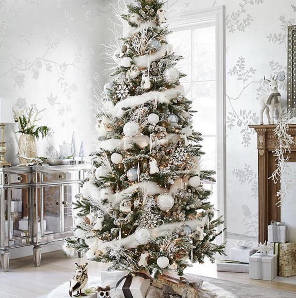 Best Christmas Trees We've Seen On Instagram 9