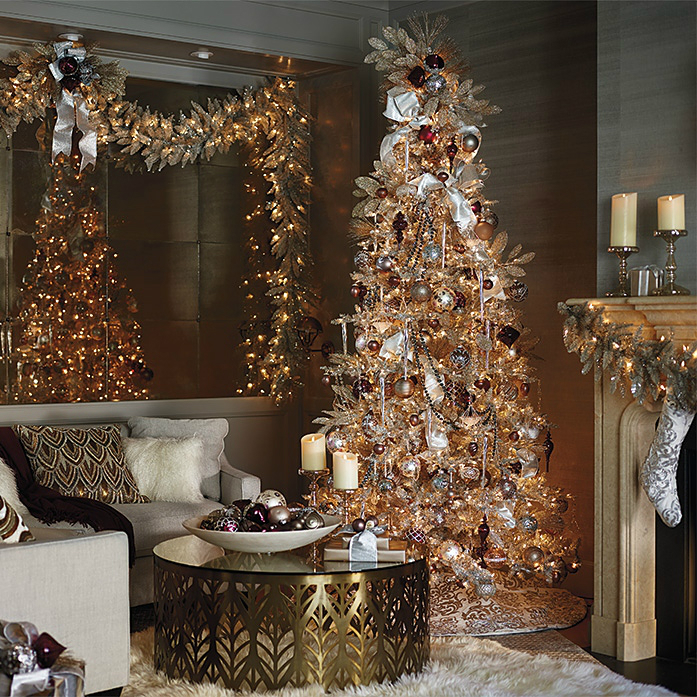 11 christmas home decorating styles 70 pics decoholic for Interior xmas decorations