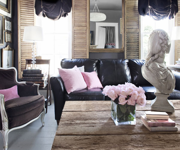 Bon Feminine Style Living Room Decoratin Ideas With Black Leather Sofa