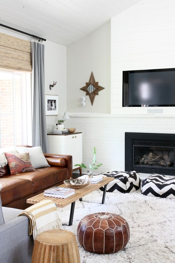 beaytiful clean living room idea with gray draps