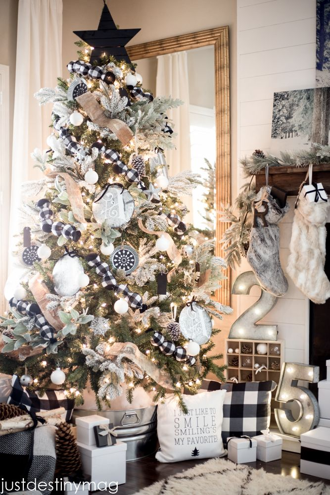 black and white rustic christmas tree - Rustic Elegant Christmas Decor