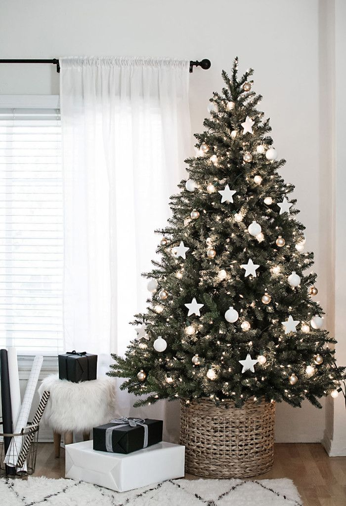 simple Christmas tree decoraing idea