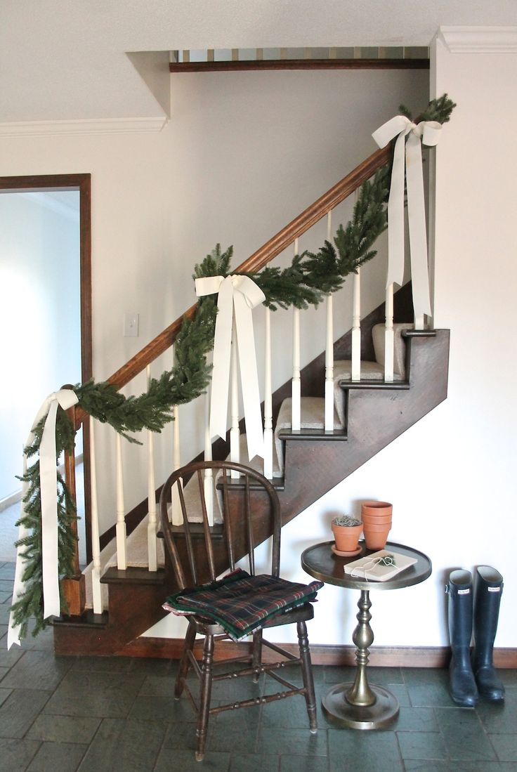 Simple Christmas Staircase