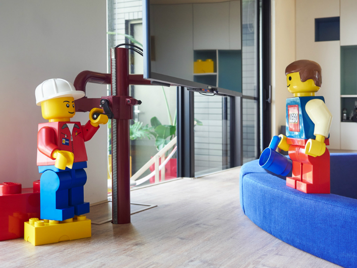 The LEGO Dream Home 10