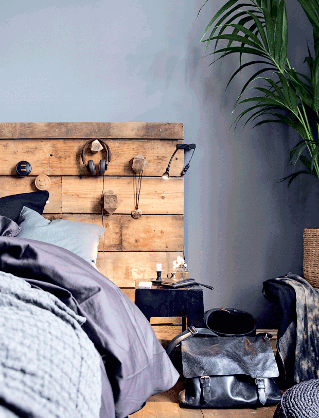 dramatic Scandinavian casual style interior 12