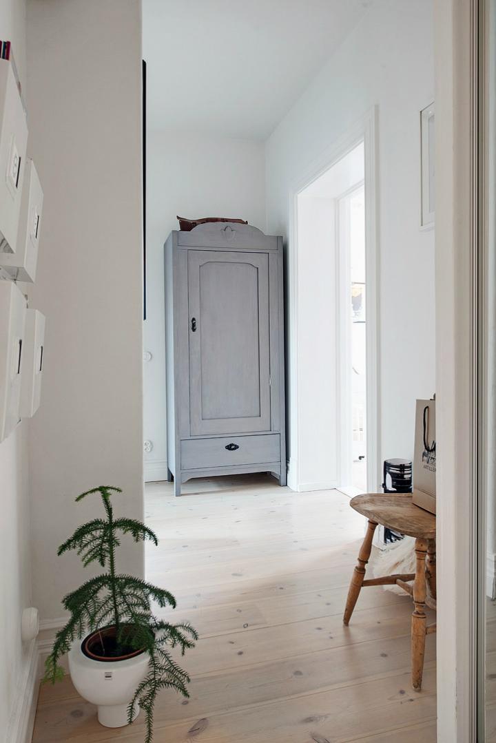 Lightful and Fresh Scandinavian modern Apartment interior 30