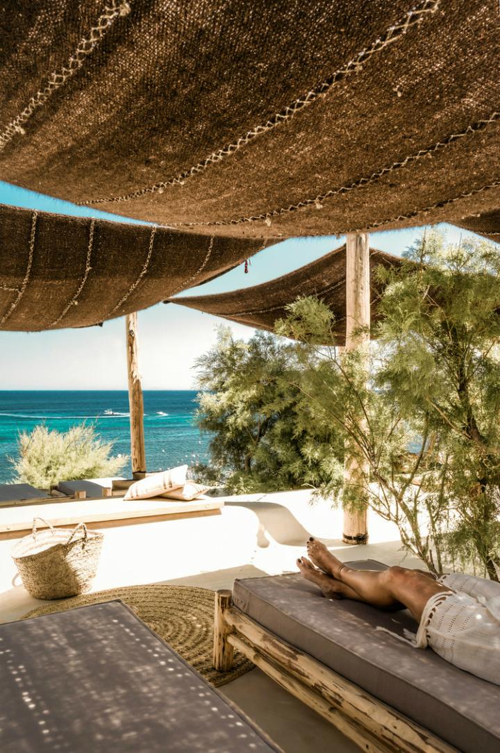 beach bohemian bed