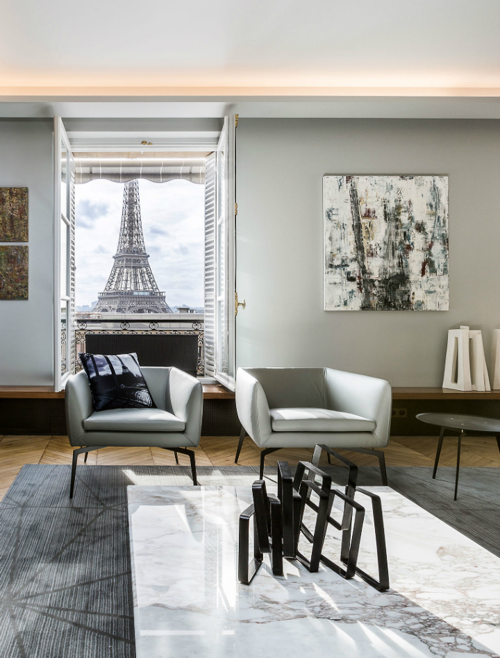Luxury Apartment In Paris Overlooking The Eiffel Tower