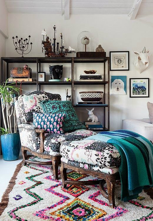 10 ways to give your living room a bohemian vibe decoholic. Black Bedroom Furniture Sets. Home Design Ideas