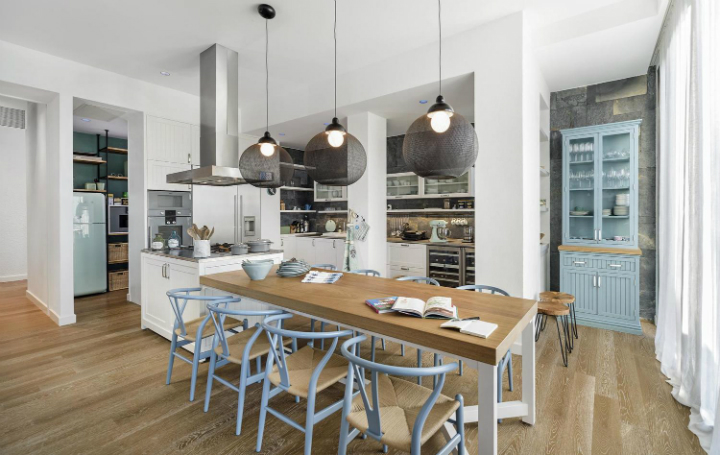 contemporary house interior with Shades Of Blue5