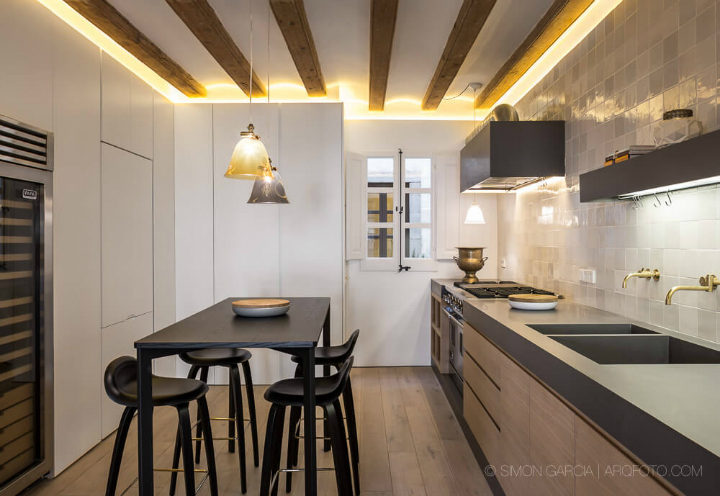 Open Space Sophistication apartment by aagf architecture 6