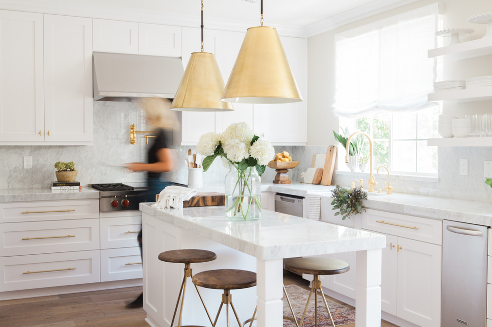 Chic White Kitchen with gold hardware 17