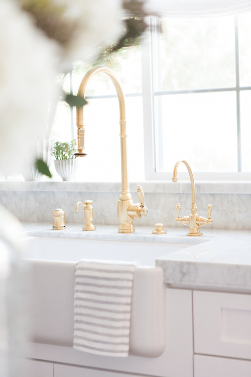 Chic White Kitchen with gold hardware 5
