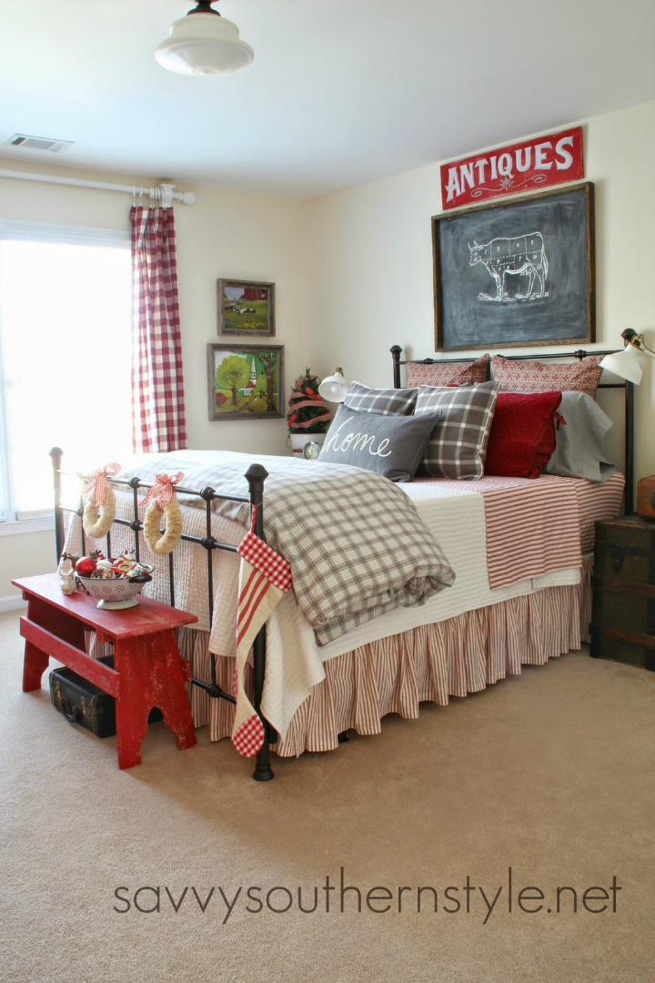 10 steps to create a cottage style bedroom decoholic for How to decorate a red bedroom